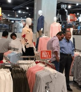 Tun-M-in-Uniqlo-offer-area